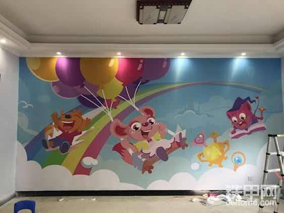 这个是儿童英语培训学校定制的壁画!这几个卡通人物好像是他们学校的专属!