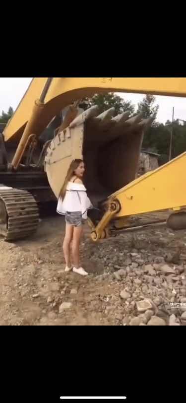 上海市嘉定区招 大小挖机驾驶员2名