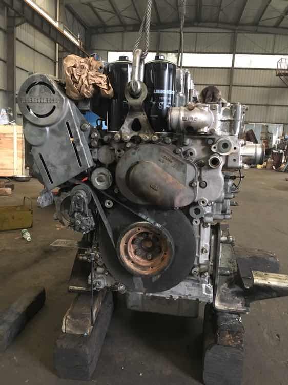 利勃海尔R944C发动机大修
