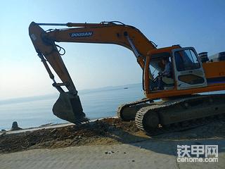 【2019奋斗季】8年的斗山DH300LC-7怎么样?