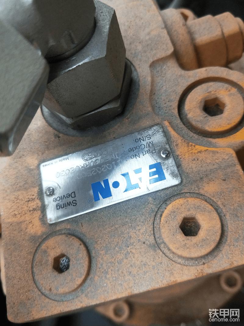 这个是临工18年65旋转马达 伊顿泵不错   进口洋马     合资力士乐液压泵    拼也实实在在的拼装    谈好价去选车   19年65变成了山东洋马  其他配置就不用说了肯定了了所以扭头就走   提了18年的