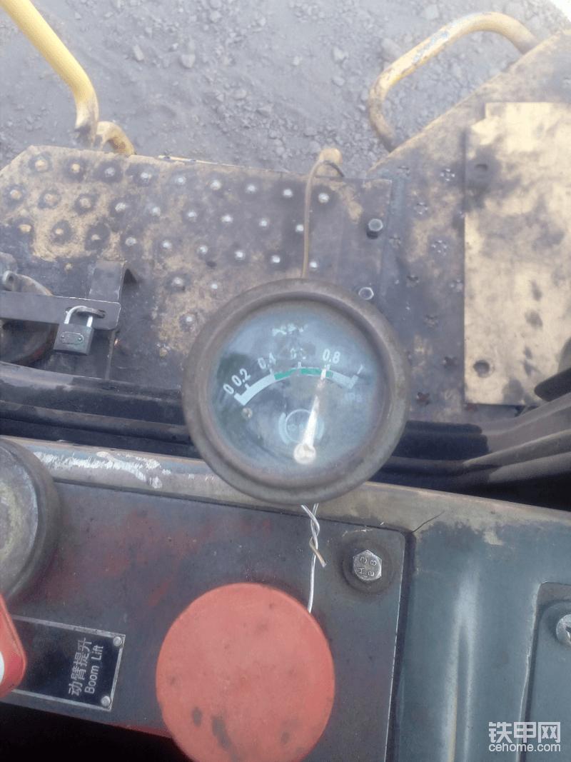 推料,一档加满油的变速箱油压。