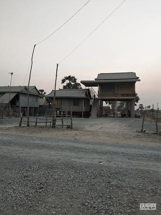 在柬埔寨开挖机的日常
