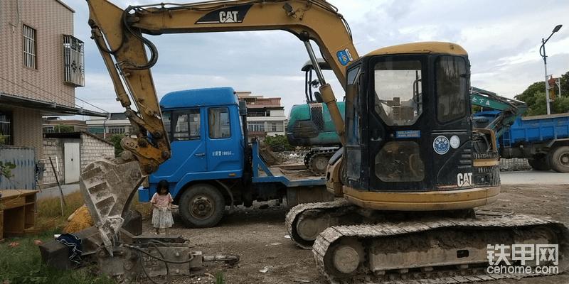入了挖机行业改不了行。