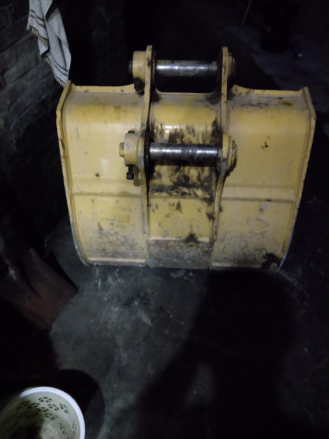 出售小松609层新原装挖机斗,50肖,
