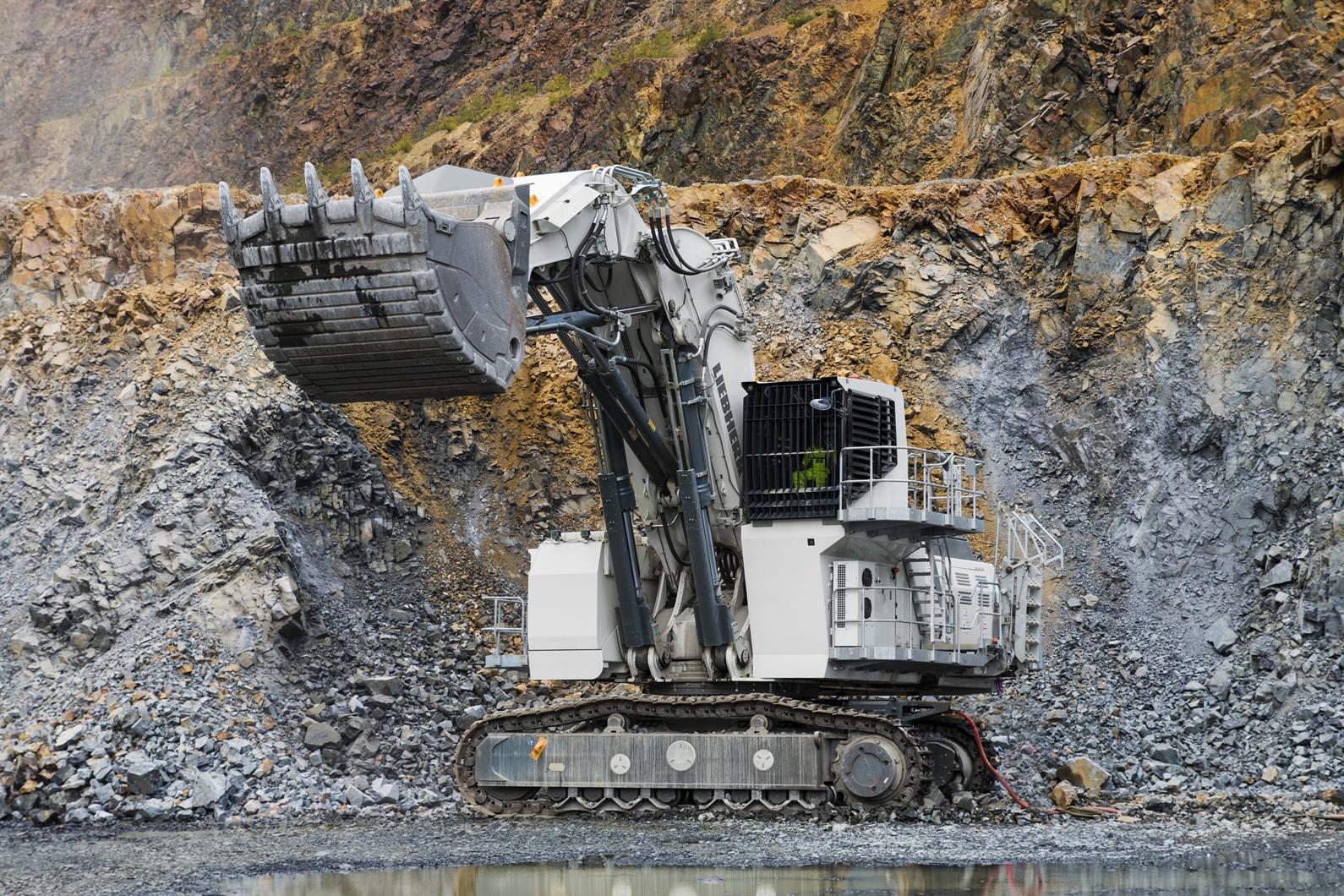 """柴油发电驱动百吨""""怪兽"""" 利勃海尔做到了!"""