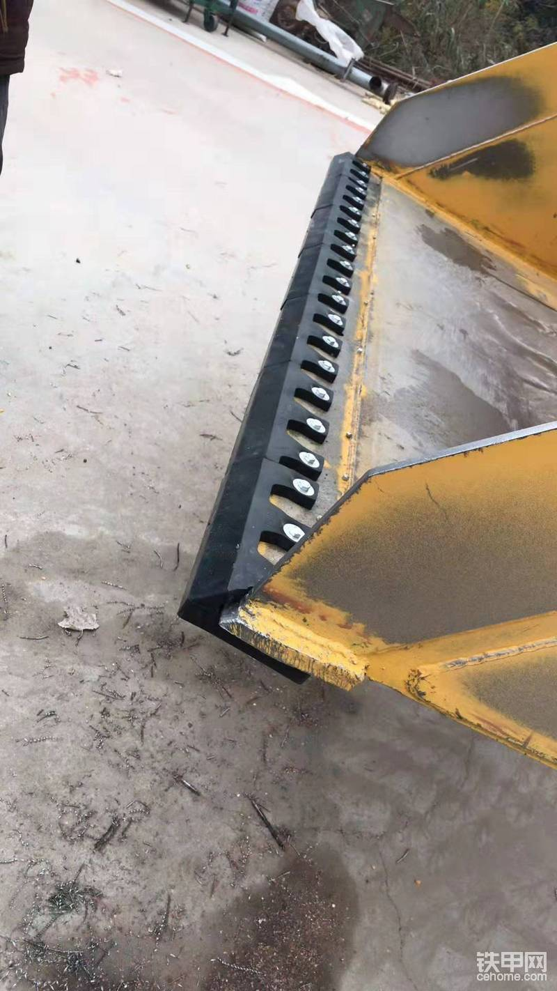 粮食铲车橡胶铲板 使用心得