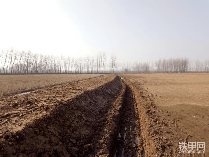 草皮地排水沟