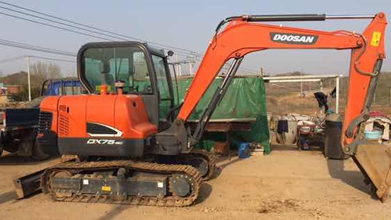 斗山DX55-9C小挖没空打理,准备让它换个好主人