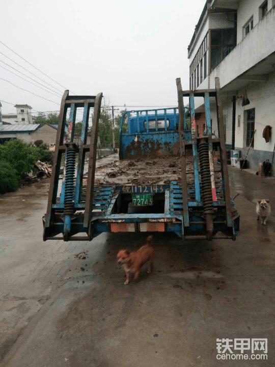 平板小挖机拖车日立70/60都可以拖