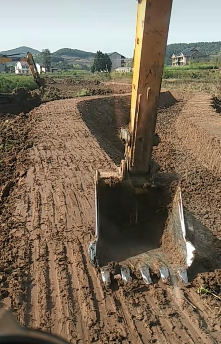 挖机这条路,我走得,,,,