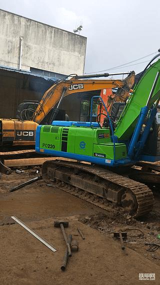 一万五千小时的厦工翻新好马上出发公地修路