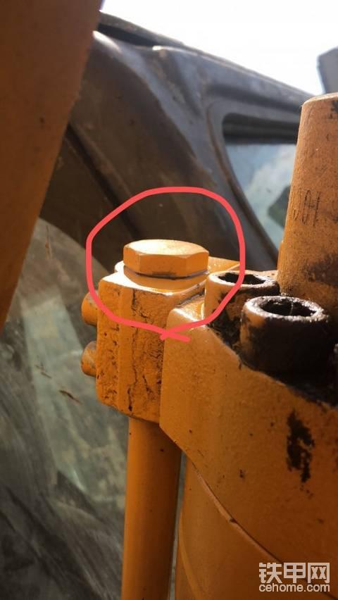 液压油铁管堵头漏油