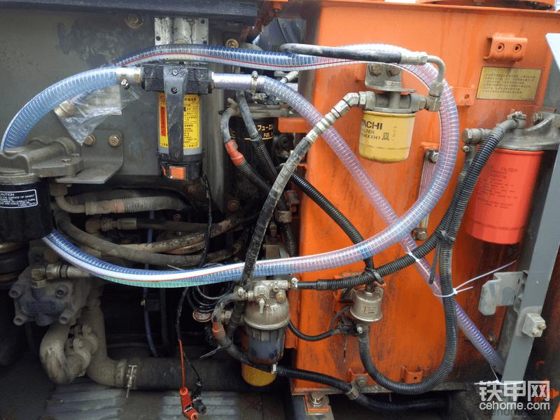自己加的抽油泵!各个滤杯都在泵室,保养方便快捷!