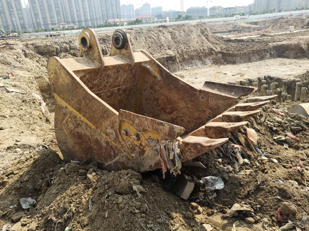 卡特320原装铲斗出售