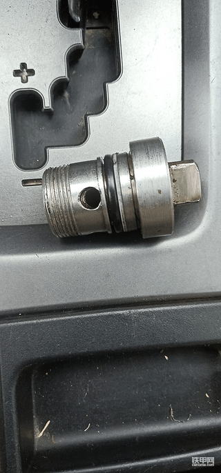 分配阀电焊焊接单向阀,十万火急,求救