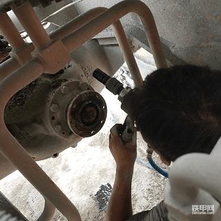 龙工855N-主传动维修记