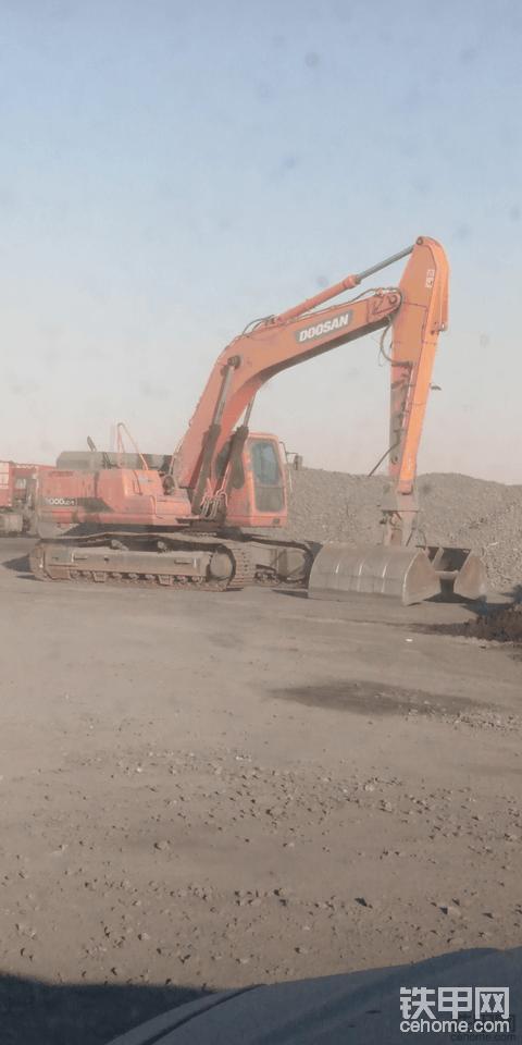 内蒙古二连浩特市招聘挖掘机司机月薪7000元