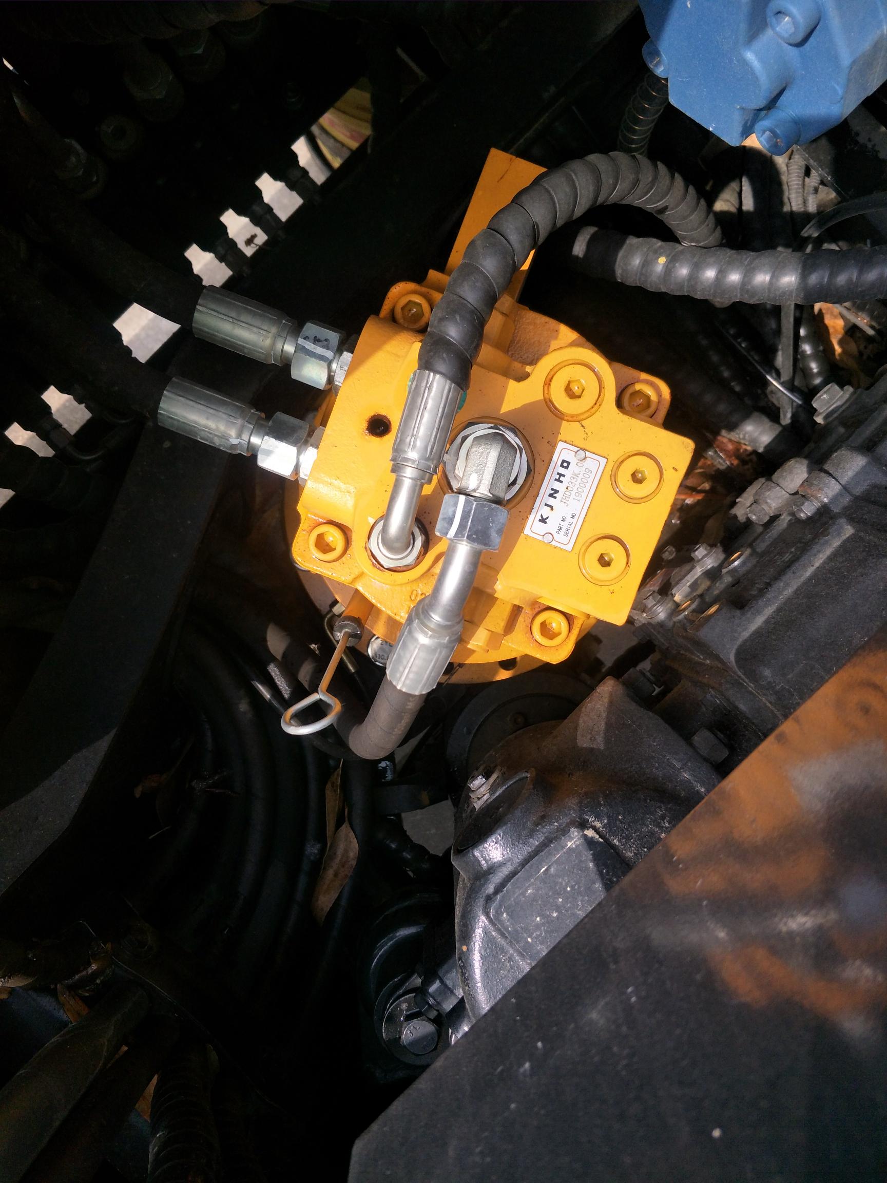 请各位高手帮忙鉴定一下这是什么旋转泵,什么阀