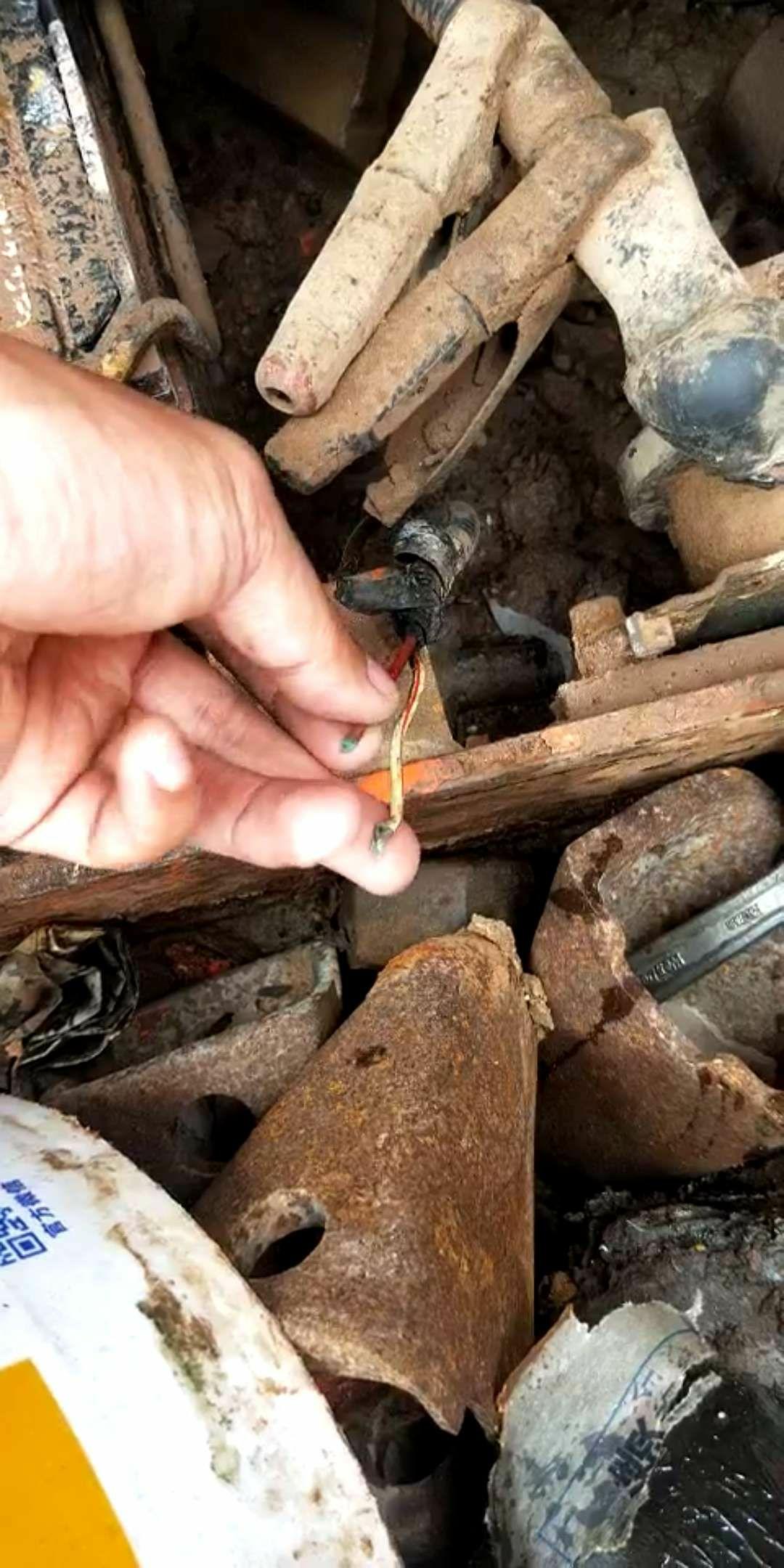 铜丝氧化变成粉末状
