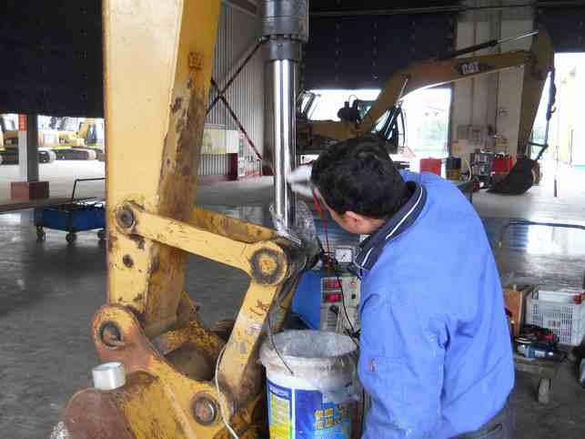 工程机械液压缸杆损伤现场修复工艺【之电刷镀】