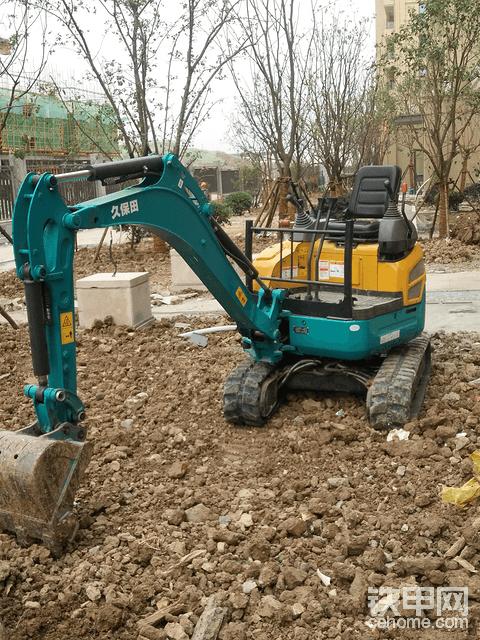 招挖掘机驾驶员