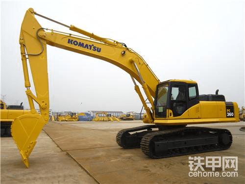 2、小松:日本挖掘机第一品牌,自主生产。力量较好,速度较快,液压系统好,比较省油,保值,二手车好出手。    小松成立于1921年,迄今已有90年历史,总部位于日本东京,在中国、美国、欧洲、亚洲和日本设有5个地区总部,是全球最大的工程机械及矿山机械制造企业之一。小松产品以品类齐全、质量可靠、服务超群享誉全球,主要产品有挖掘机、推土机、装载机、自卸卡车等工程机械,各种大型压力机、切割机等产业机械,叉车等物流机械,TBM、盾构机等地下工程机械,以及柴油发电设备等。