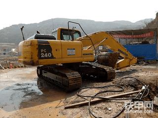 【我要上头条】挖机需要维修请不要凑合拖拉