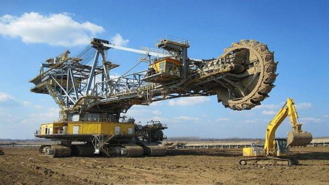 用3年打造万吨机械,中国制造的挖掘机超神了
