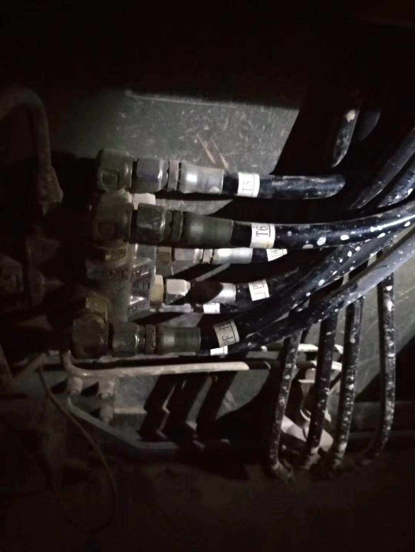 【我要上头条】工程机械油管的快速定制过程