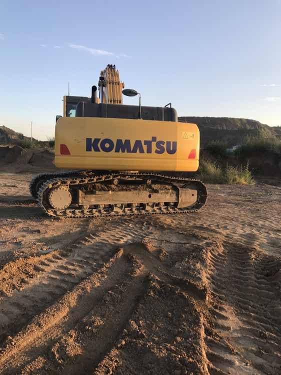 黄色的挖机 也就小松的好看