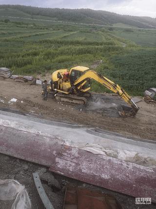 【小松60-7挖掘机全车没有动作