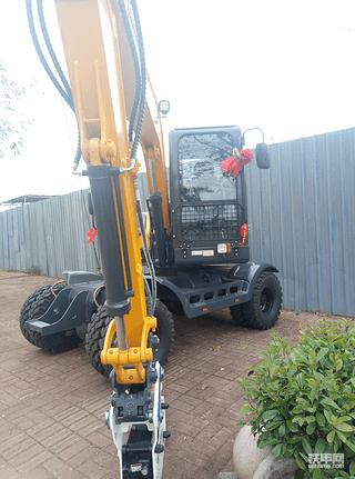 新源轮式挖掘机出租