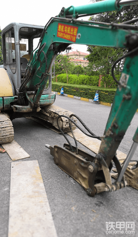 挖掘机出租,有需要的联系