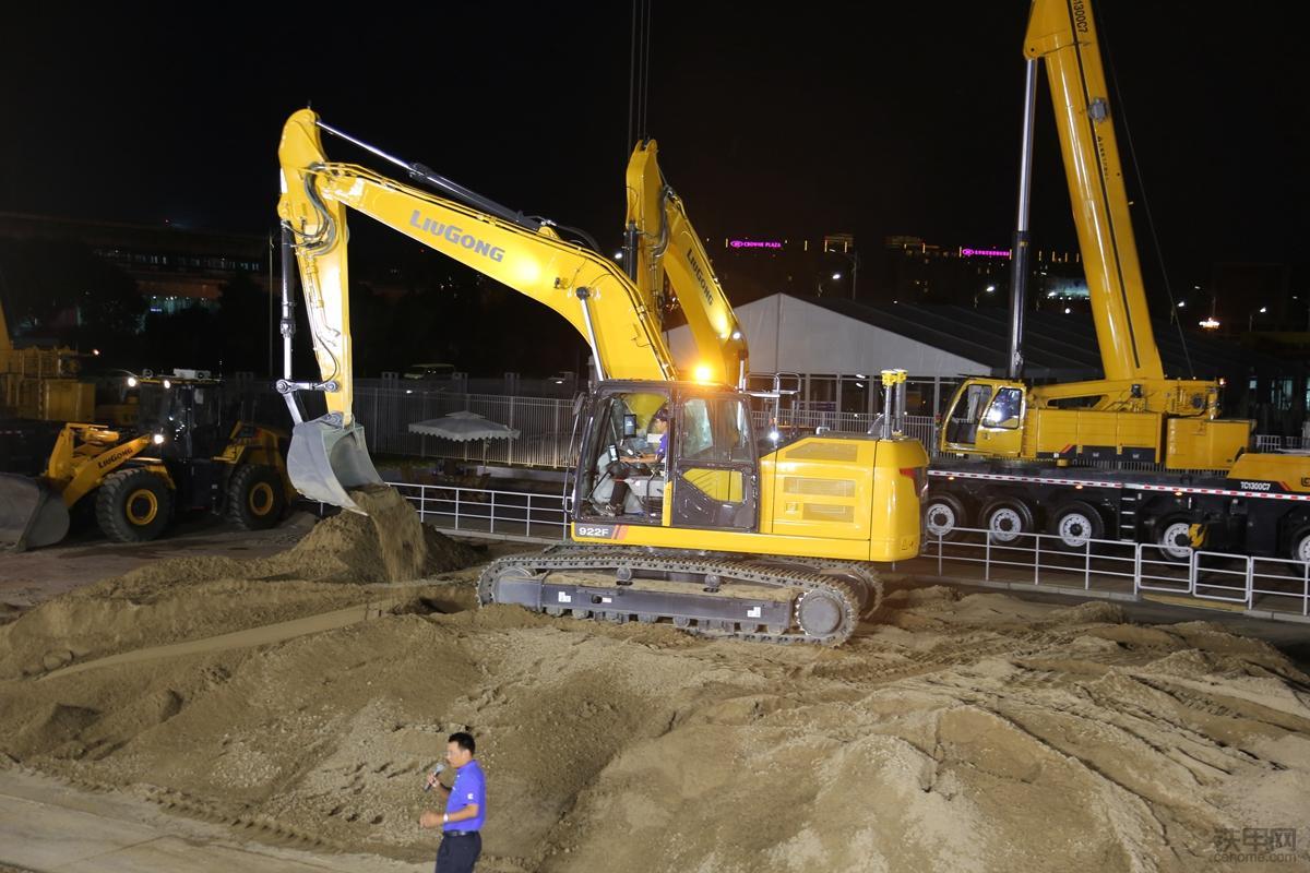 柳工F系列挖掘机