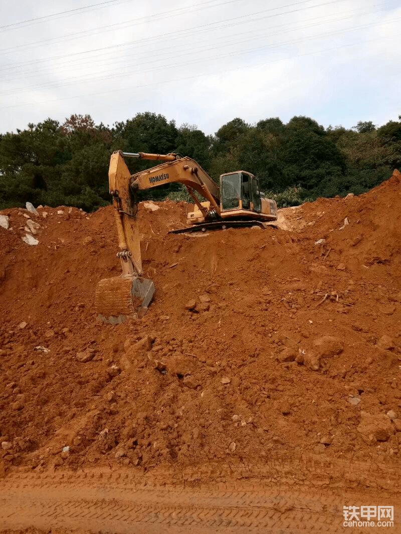 再来张人生第一次摸的挖机――小松360