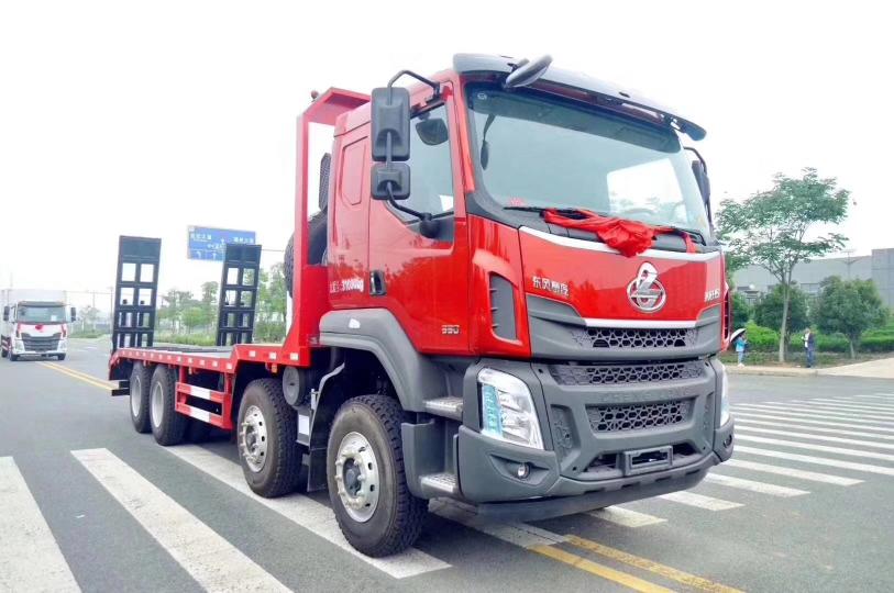 东风柳汽四桥平板车可拉35吨以下工程机械