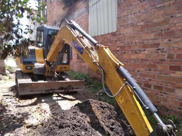 【开过的设备】这就是我第一次开的挖机!