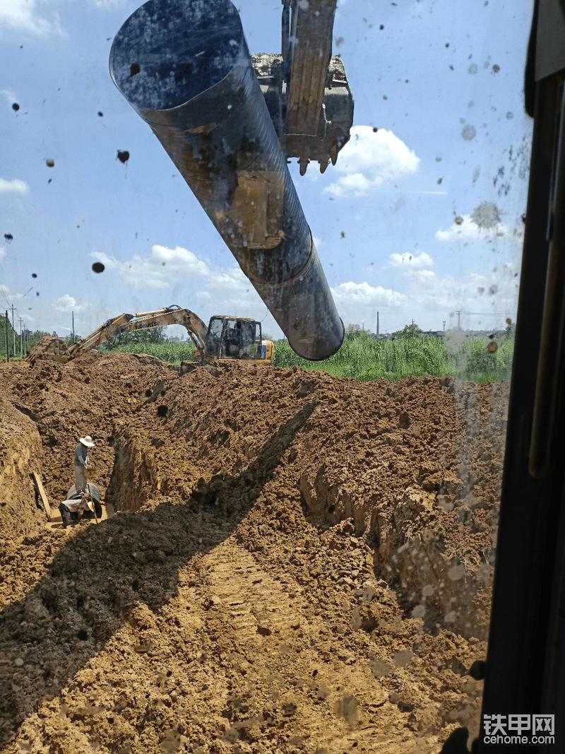 挖排污管道