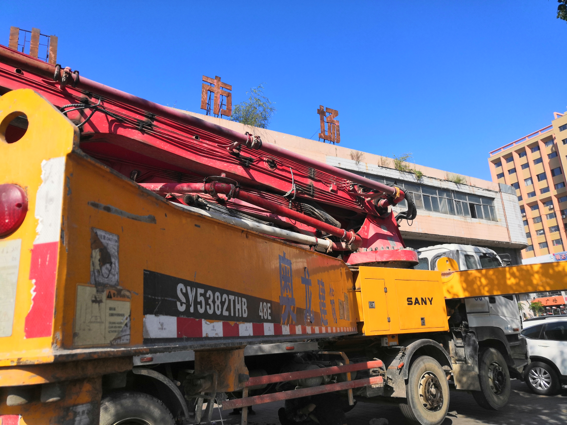 【我要火】三一48米泵车换臂架泵油封