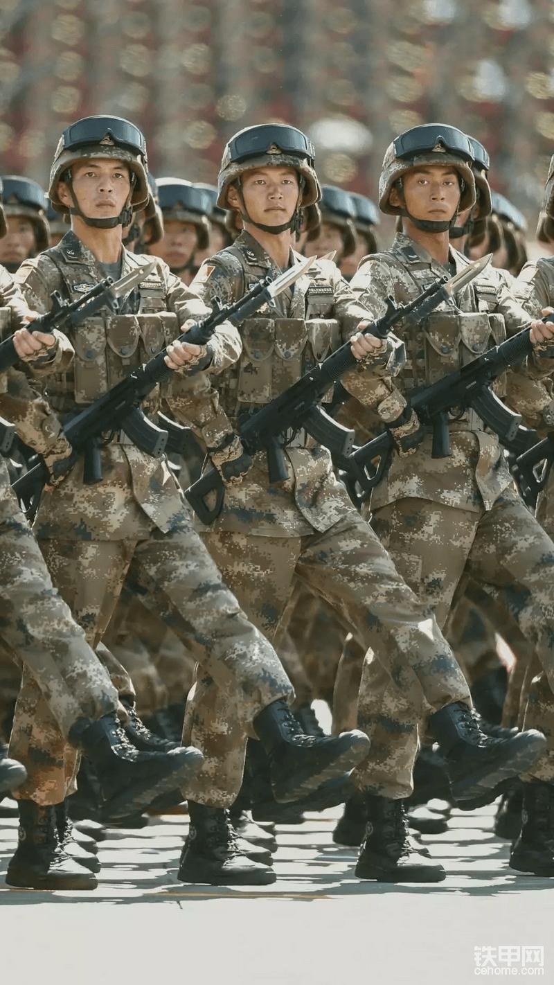 新式的步~枪,新式的作战靴,可惜没能碰上,如果……我说如果不那么轻信他人也许我还在部队,还穿上我那可爱的军装,一群可爱的战友,一份高的收入!但~都已成过去式!