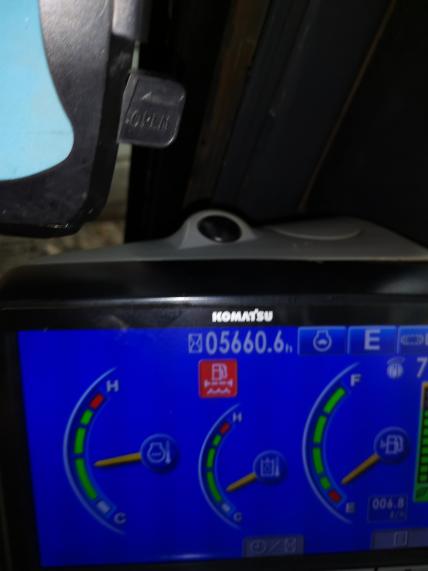 小松130-8MO 油水分离器也换了还是报警!