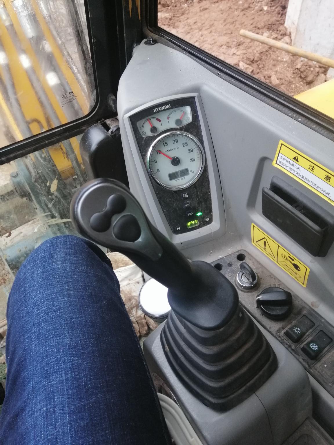 斗山60—9C和现代60VS驾驶体验