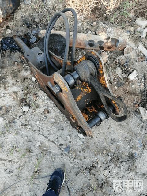 75破碎锤低价处理