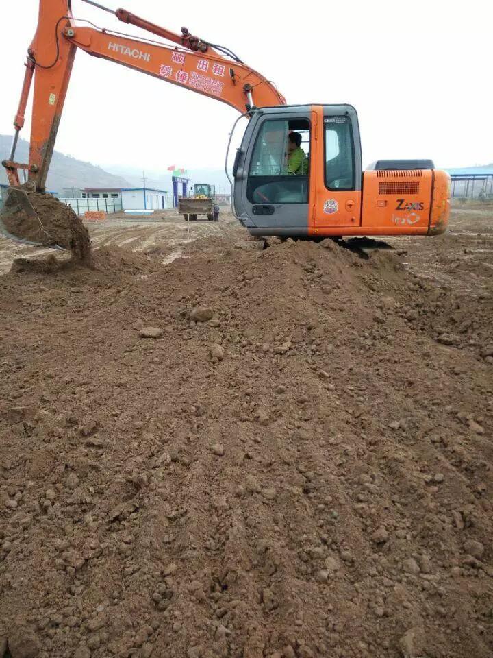 【我要粉丝】之挖机行业需要自律