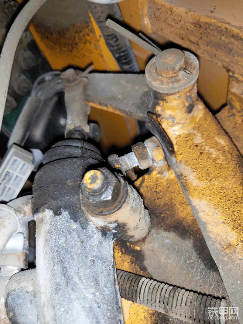 铲车刹车总泵漏油-帖子图片