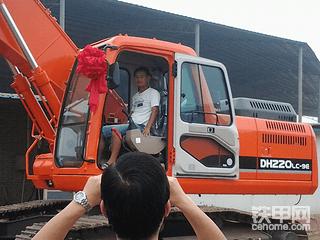 斗山220LC-9E挖机15000小时使用心得
