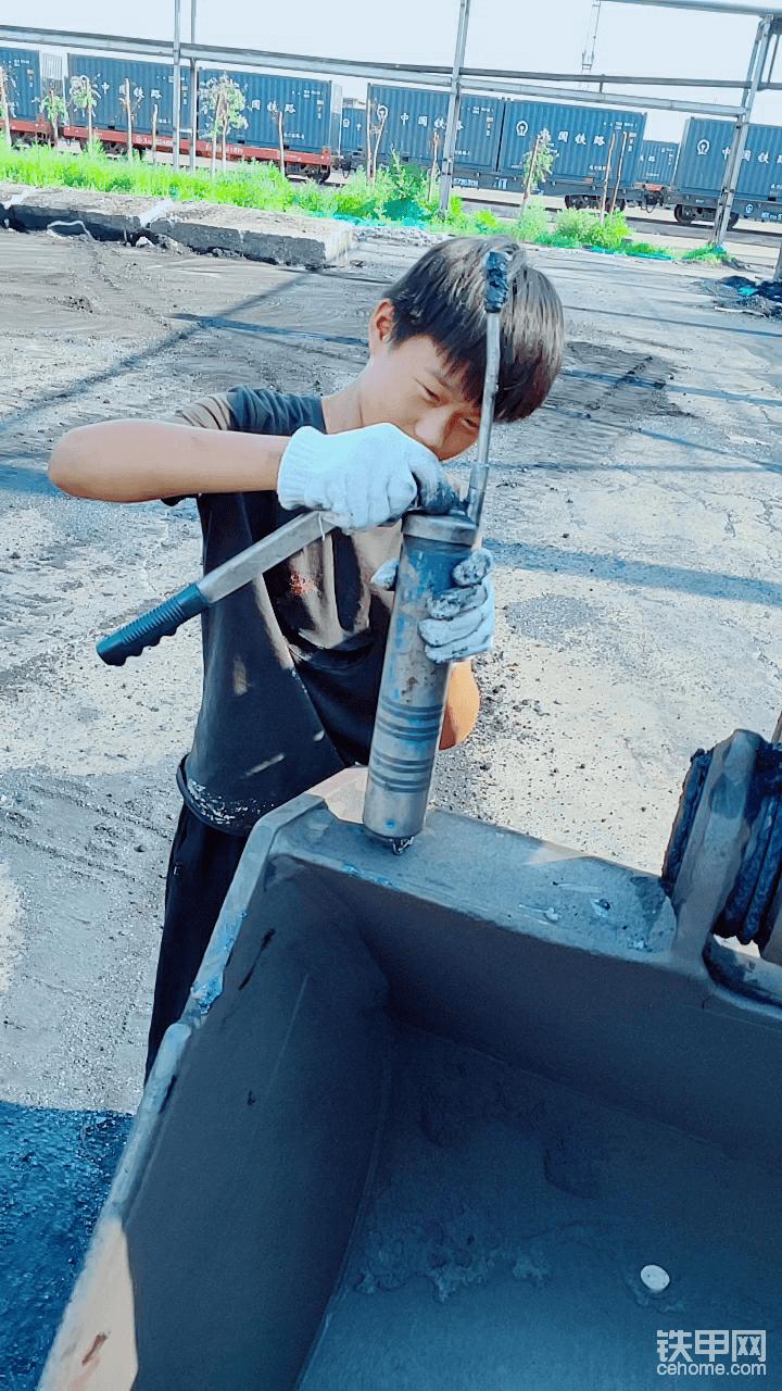 【我要粉丝】如何正确保养挖掘机-帖子图片
