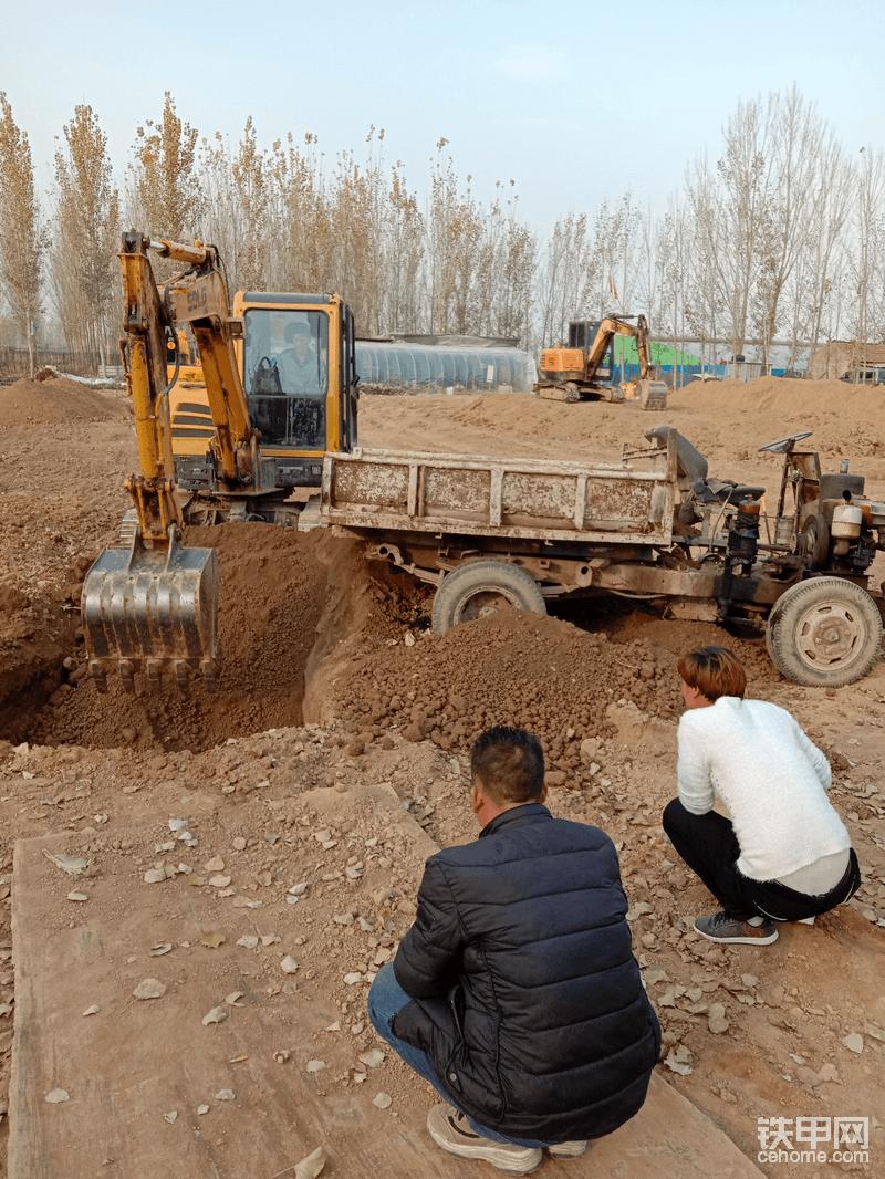 挖掘机培训班-帖子图片