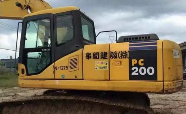 20吨的挖机进工地 是包月合适还是按小时算合适?